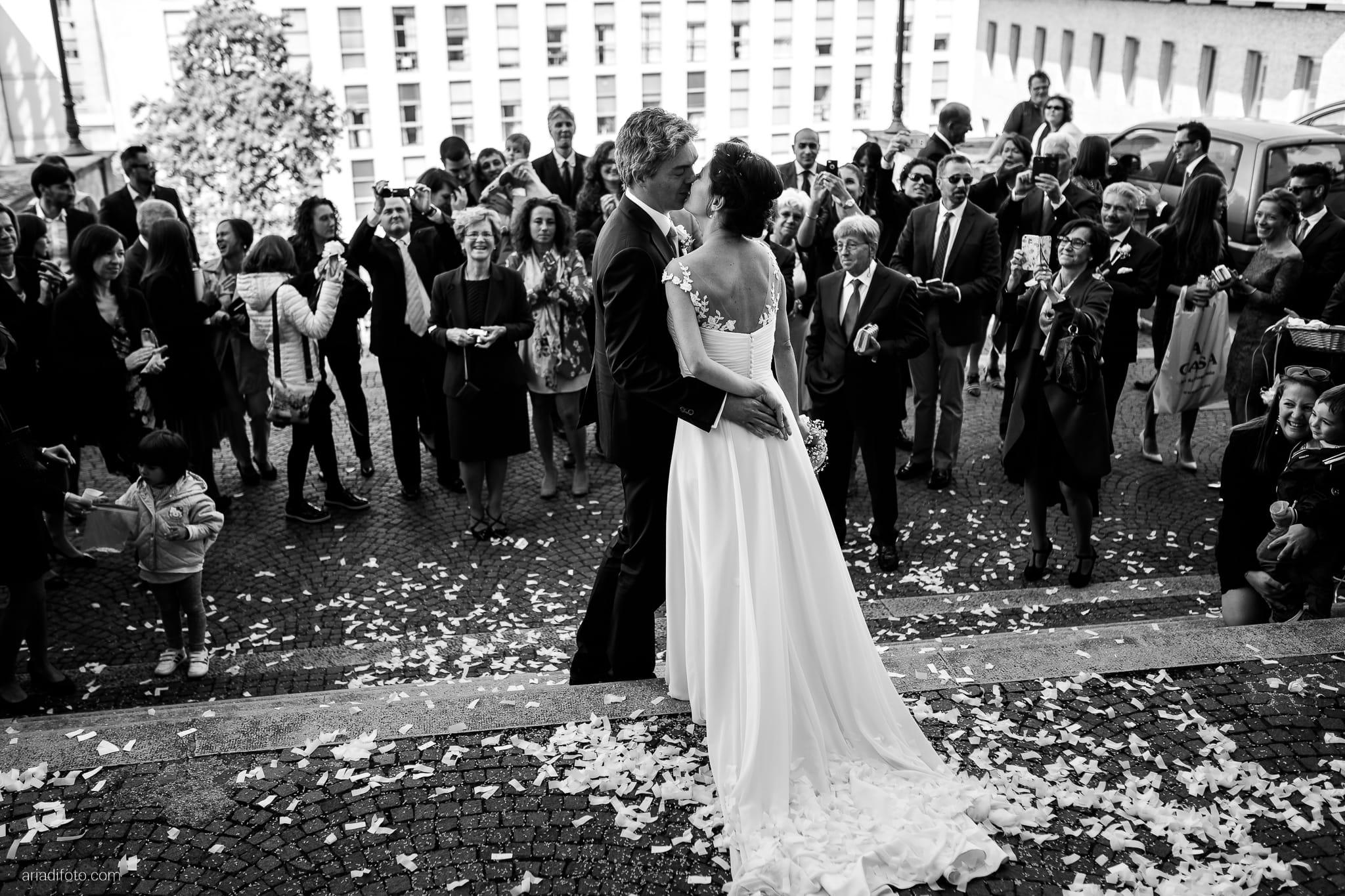 Tatiana Marco Matrimonio Trieste Baronesse Tacco San Floriano Collio Gorizia cerimonia cattolica Chiesa di Santa Maria Maggiore lancio del riso