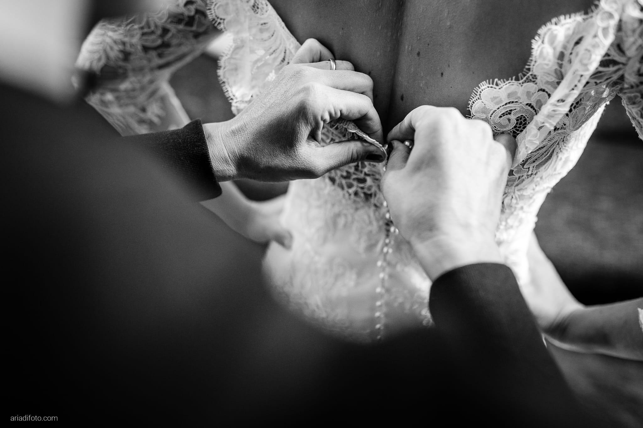 Teresa Andrea Matrimonio Grado Basilica Sant Eufemia Villa Iachia Ruda Udine preparativi sposa vestizione abito