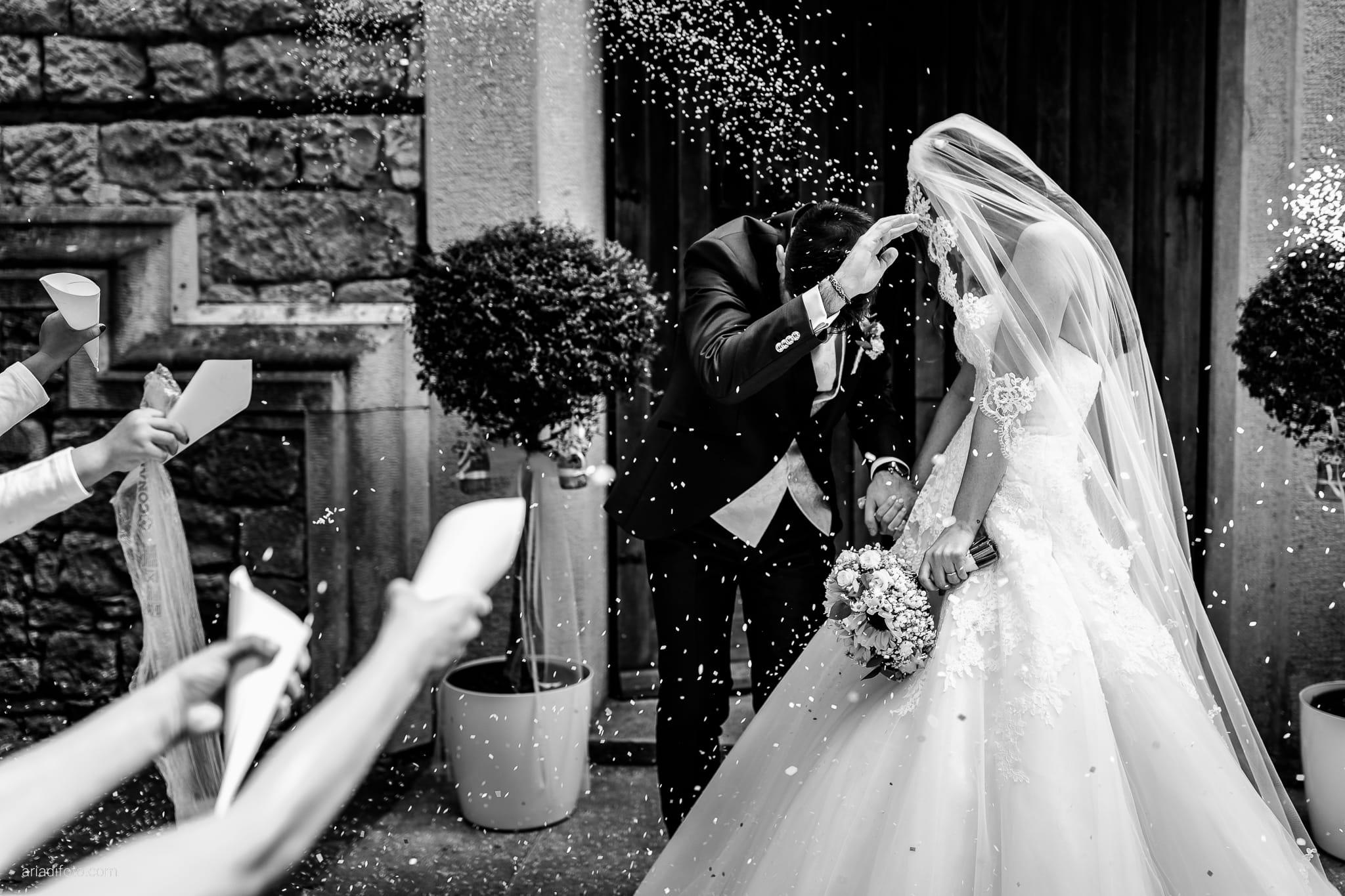 Giulia Alessandro Matrimonio Duino Trieste Baronesse Tacco San Floriano Del Collio Gorizia cerimonia lancio del riso