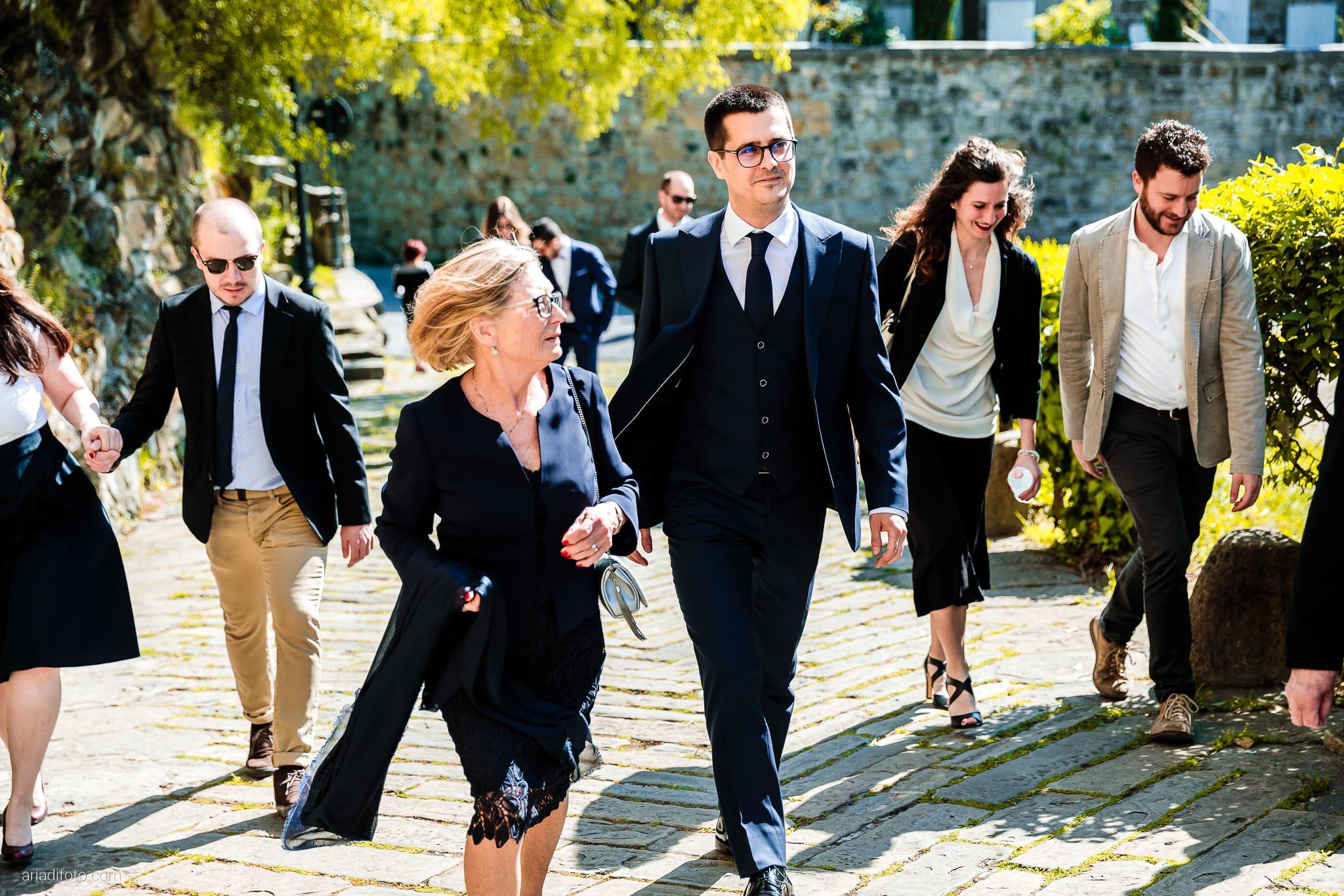 Marina Stefano Matrimonio Castello San Giusto Molo IV Trieste cerimonia civile ingresso sposo