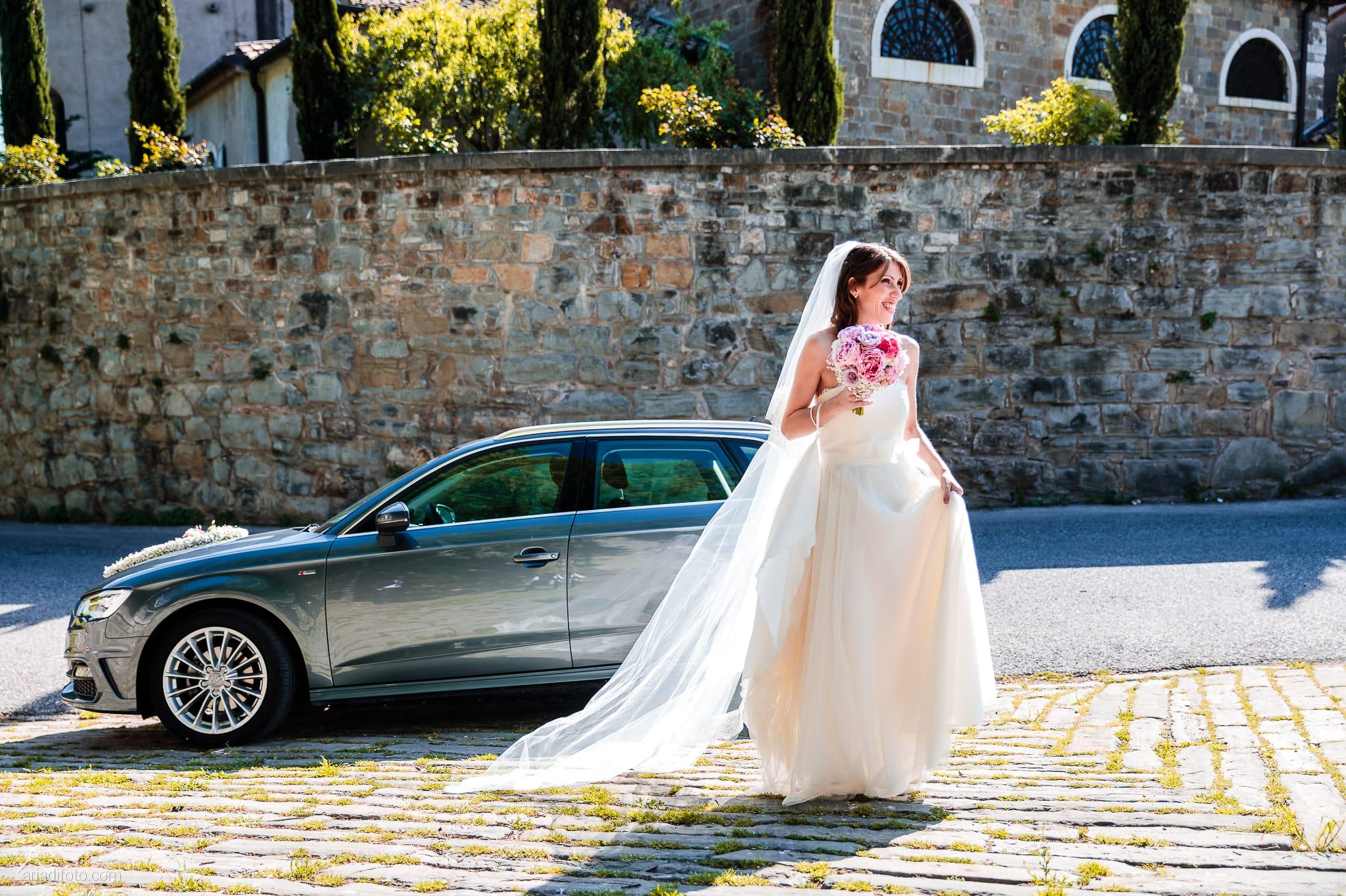 Marina Stefano Matrimonio Castello San Giusto Molo IV Trieste cerimonia civile ingresso sposa