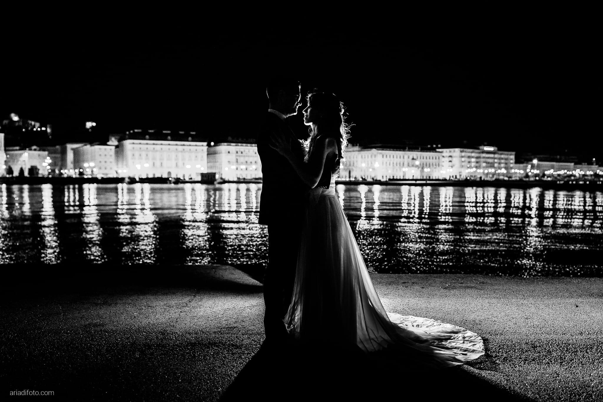 Marina Stefano Matrimonio Castello San Giusto Molo IV Trieste ritratti notturni sposi backflash