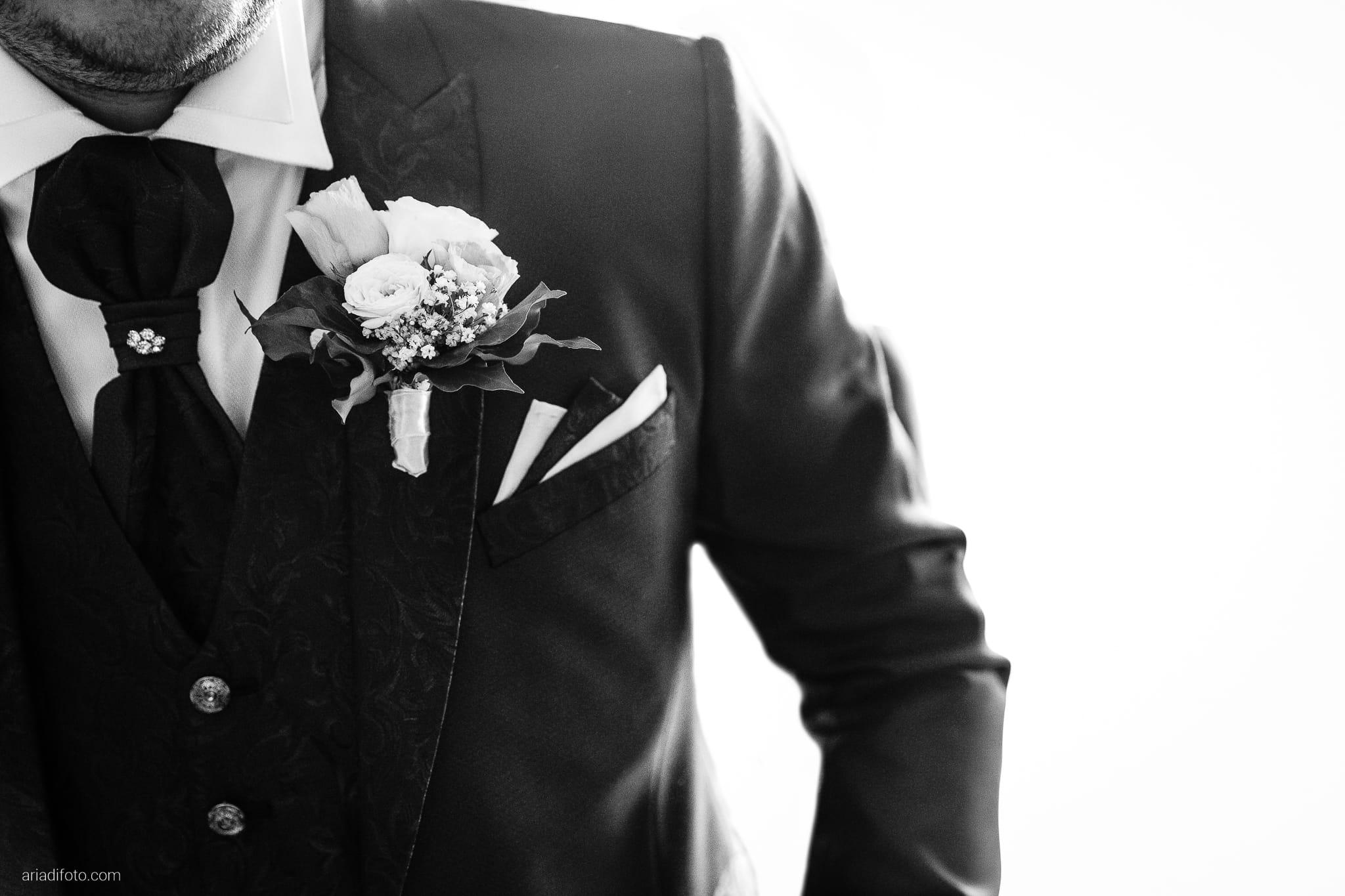 Anna Matteo Matrimonio Parco di Buttrio Udine preparativi sposo dettagli boutonniere fiore all'occhiello