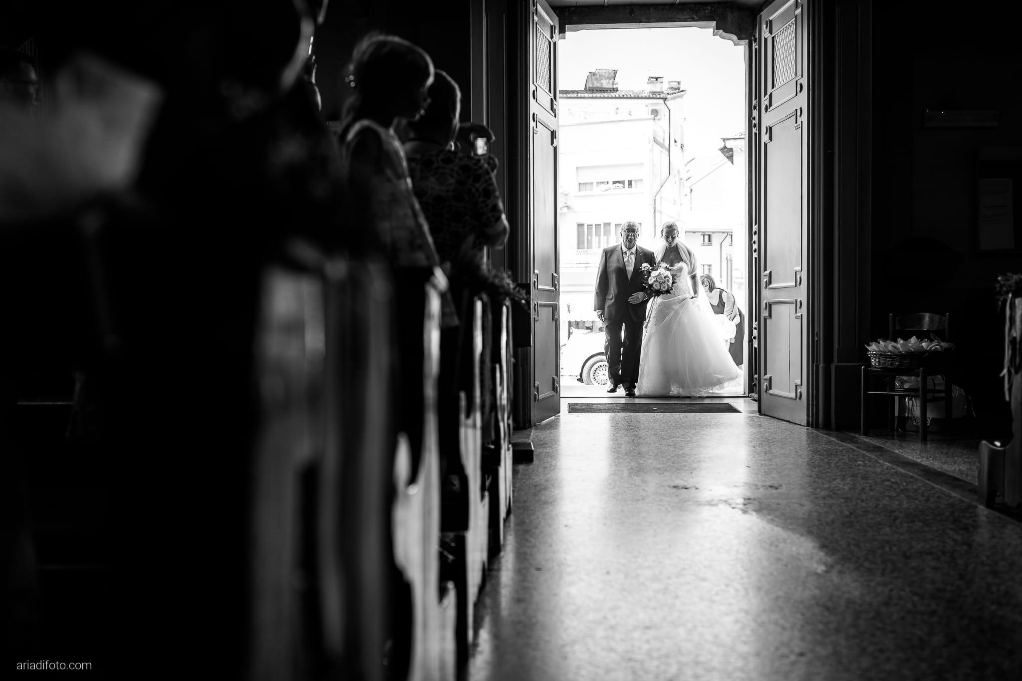 Anna Matteo Matrimonio Parco di Buttrio Udine cerimonia ingresso sposa