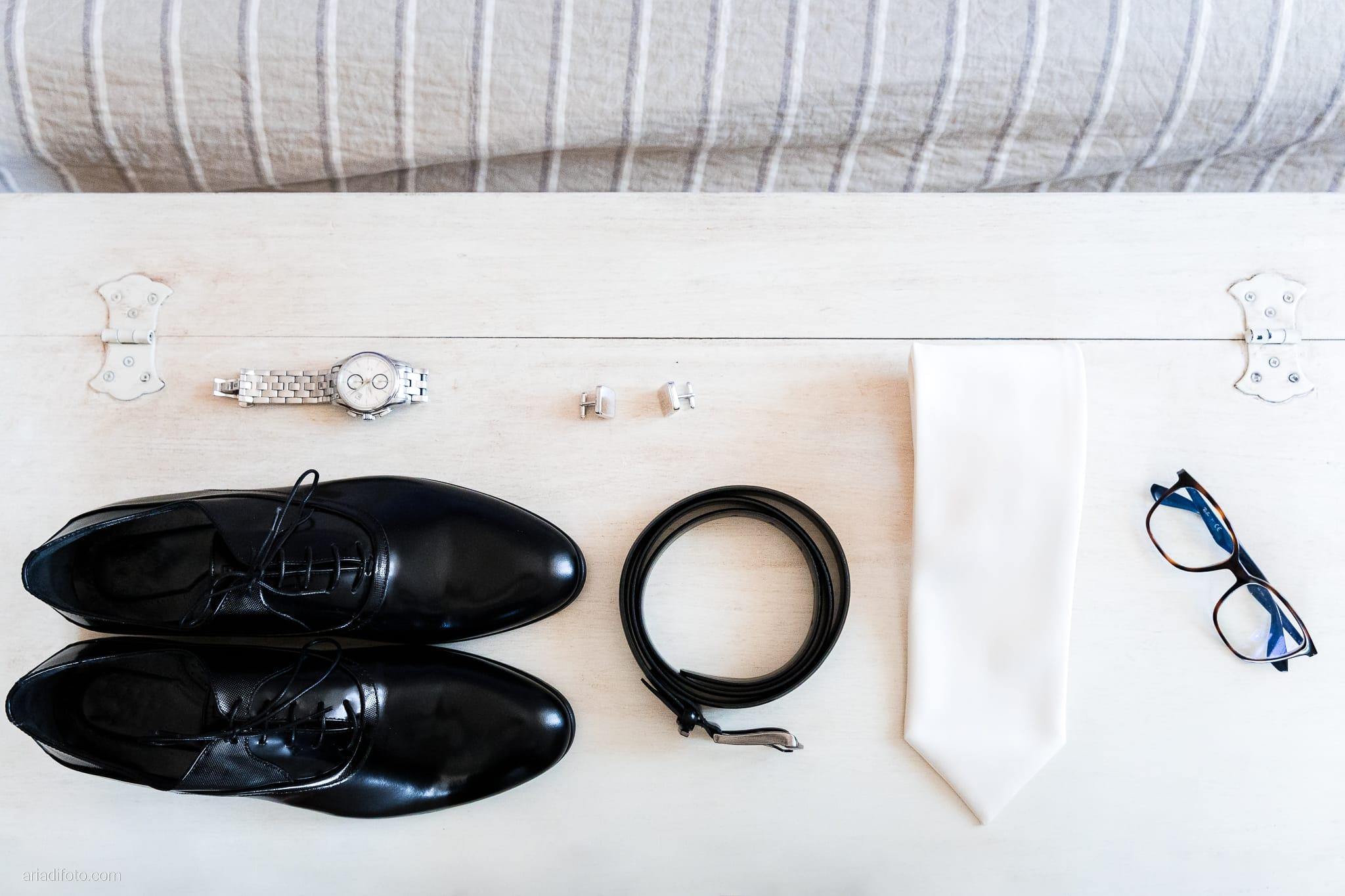 Lavinia Daniele Matrimonio Medea Gorizia Villa Elodia Trivignano Udinese Udine preparativi sposo dettagli scarpe cravatta occhiali cintura orologio gemelli