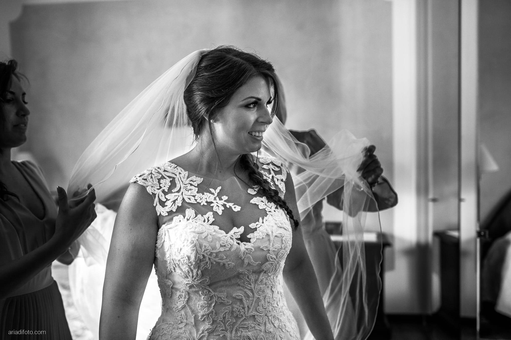 Lavinia Daniele Matrimonio Medea Gorizia Villa Elodia Trivignano Udinese Udine preparativi sposa vestizione