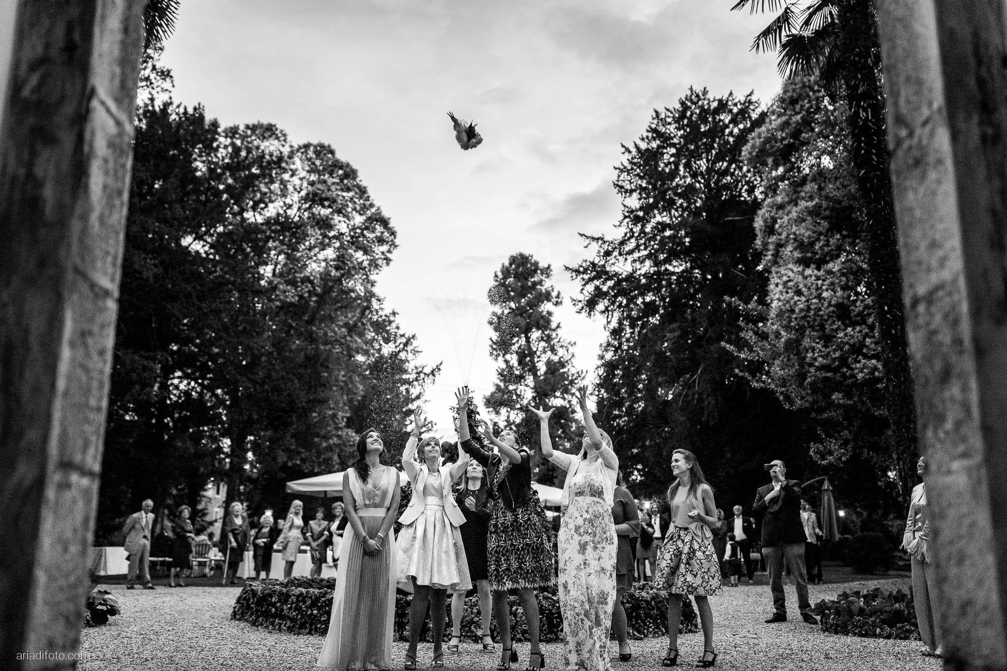 Lavinia Daniele Matrimonio Medea Gorizia Villa Elodia Trivignano Udinese Udine ricevimento lancio del bouquet