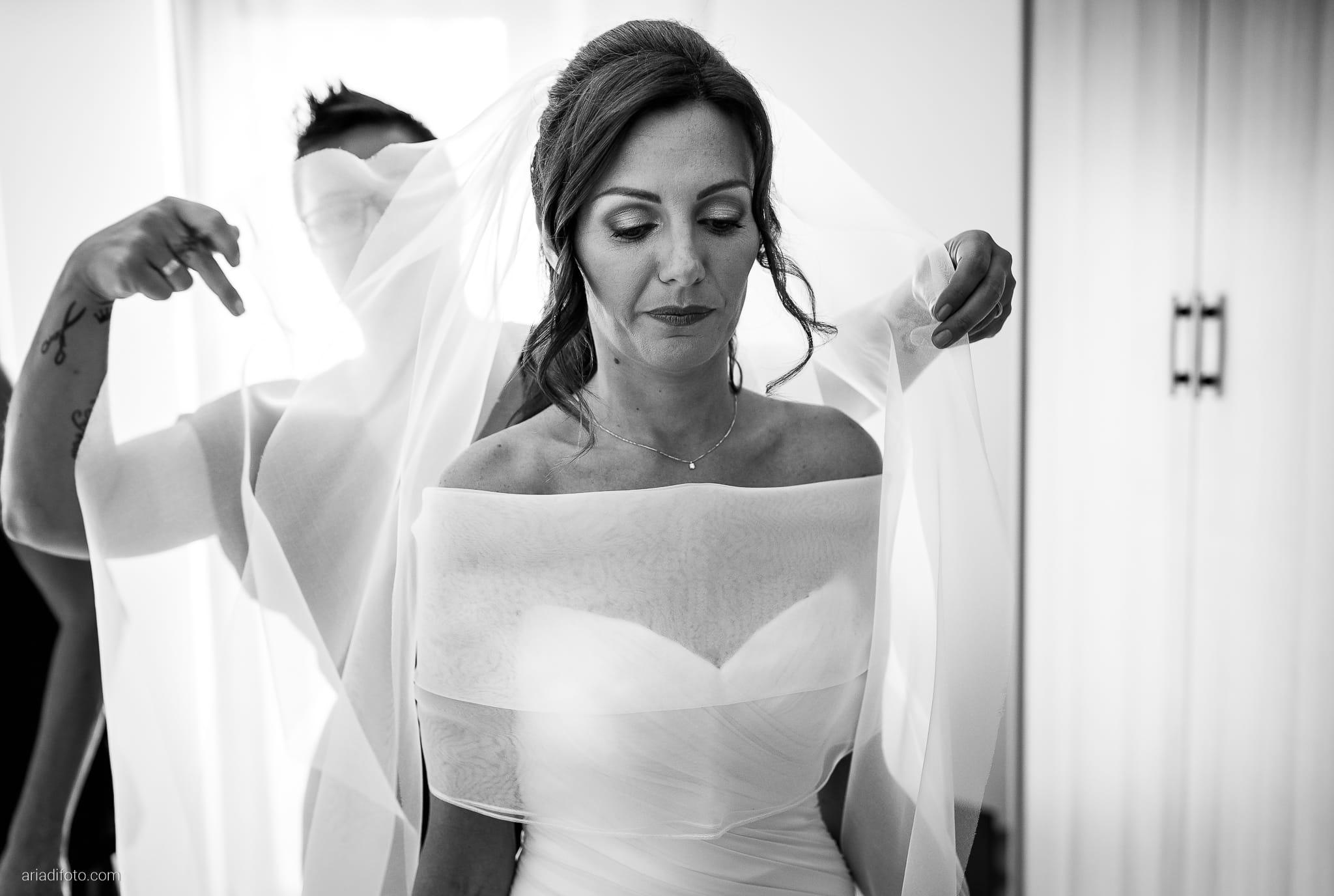 Stefania Raffaele Matrimonio Country Chic Outdoor Gorizia vestizione