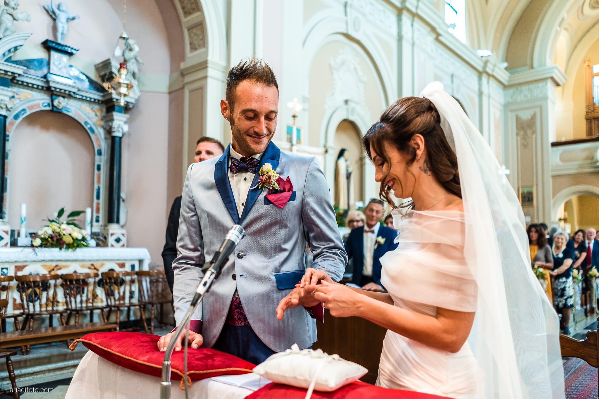 Stefania Raffaele Matrimonio Country Chic Outdoor Gorizia cerimonia scambio degli anelli