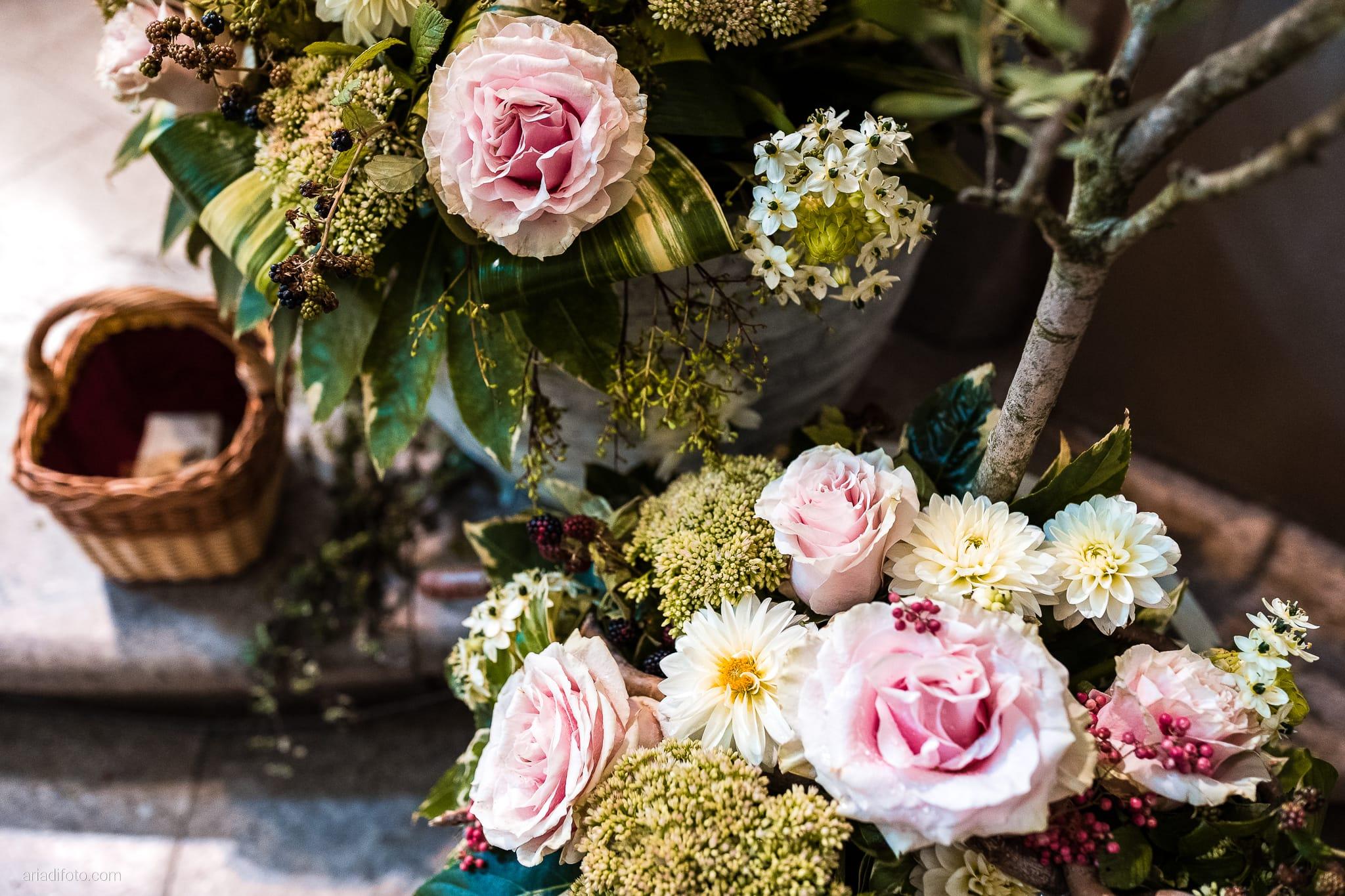 Stefania Raffaele Matrimonio Country Chic Outdoor Gorizia cerimonia dettagli fiori